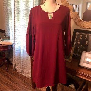 New! 🎉 Maroon key hole 3/4 sleeve dress